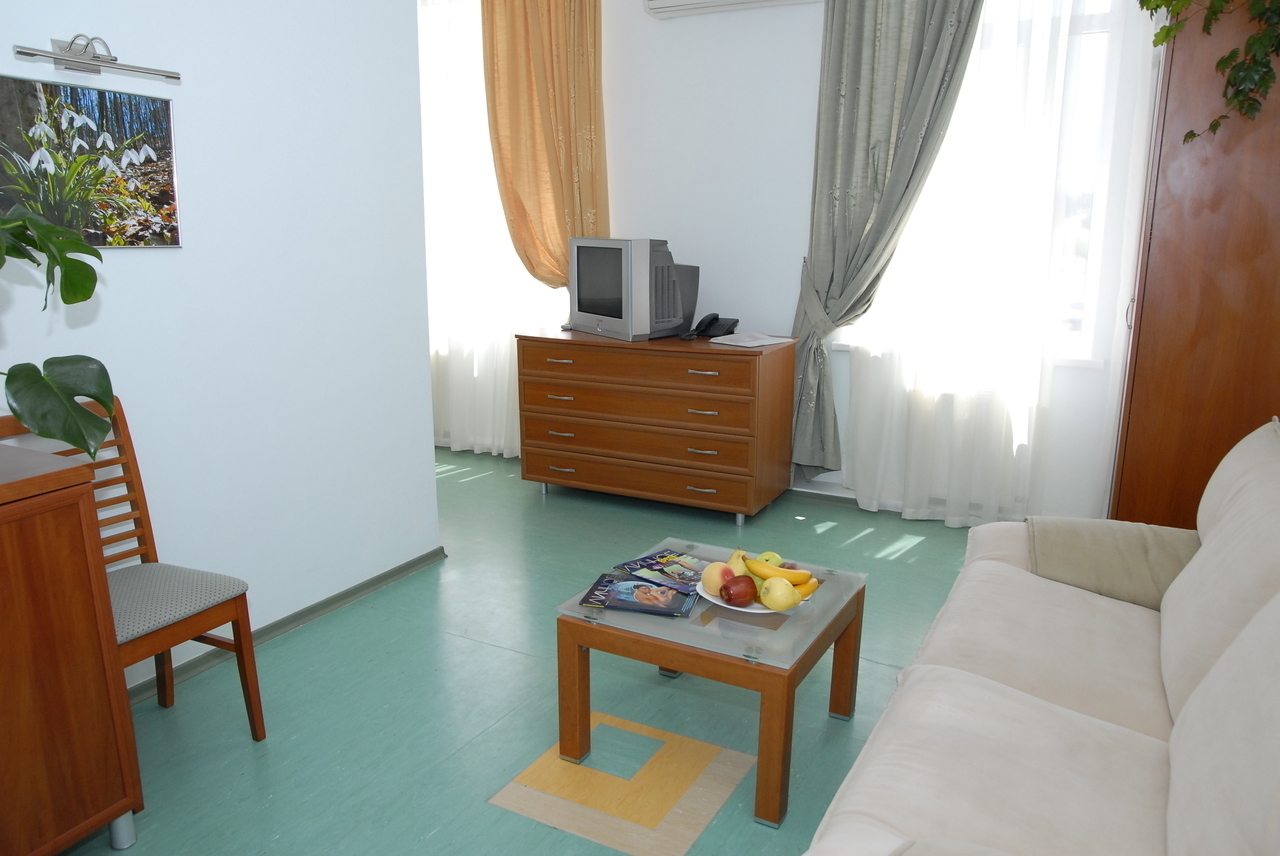 fordewind - гостиница в балаклаве, севастополь недалеко от моря, бесплатный wi-fi, автостоянка