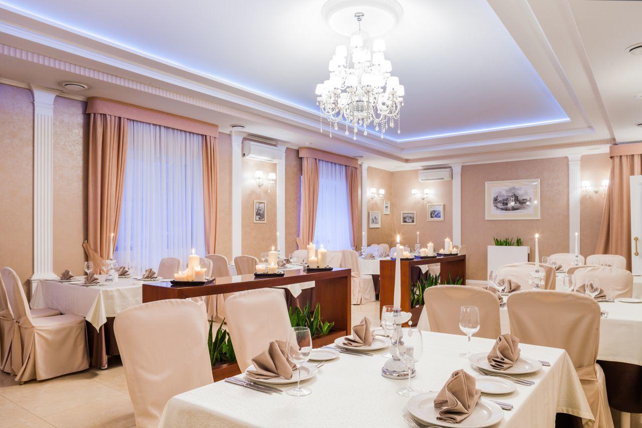 Бронирование гостиниц СанктПетербурга и Москвы заказ