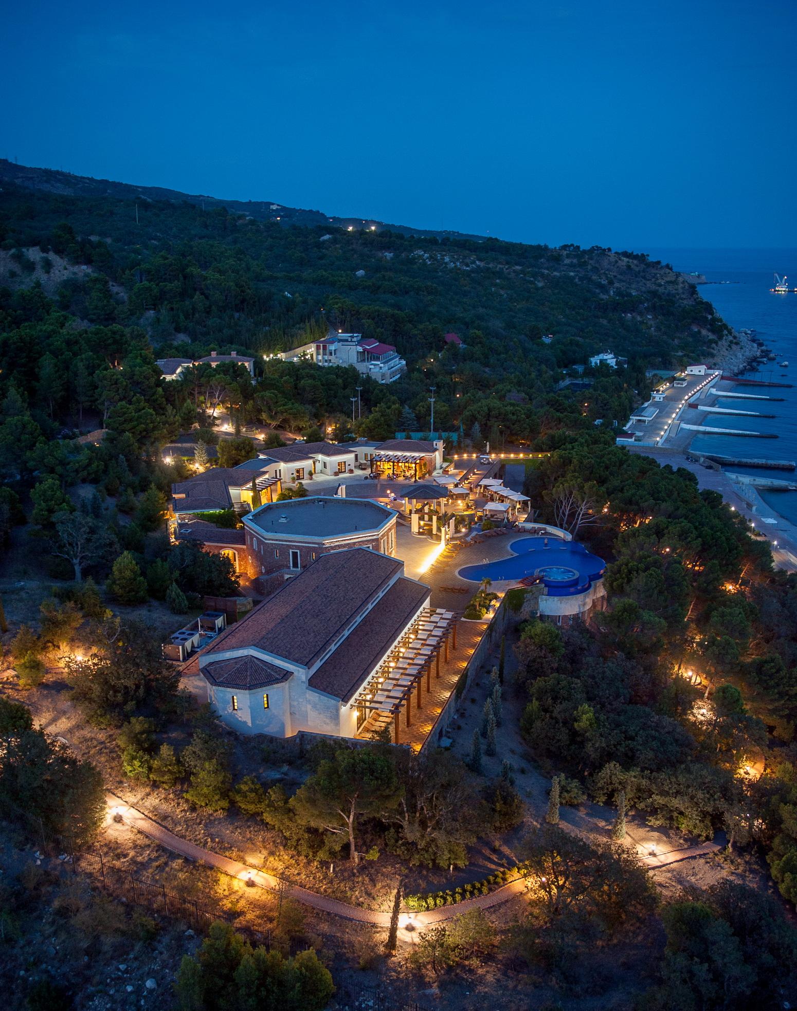 ялта гостиница крымский бриз описание с фото которая учит нас