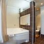 Гостиница Спутник, Люкс (ванная), фото 6