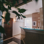 Отель Баден-Баден, Холл 2 этажа отеля. Ресепшн, фото 10